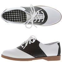 Black and white saddle oxfords, still look good. Womens Saddle Oxfords, Saddle Oxford Shoes, Oxford Shoes Outfit, Oxford Flats, Mode Shoes, Loafers For Women, Me Too Shoes, 50s Shoes, Flat Shoes