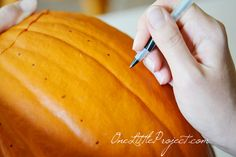 Drilled pumpkins tutorial - These are super quick and simple to make and they end up looking amazing!