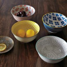 I had no idea there were serving bowl sized modernist bowls... will be getting these next $16 each