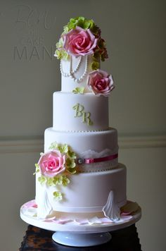 Pearls And Lace Classic Vintage Style Wedding Cake by Ben The Cake Man.......