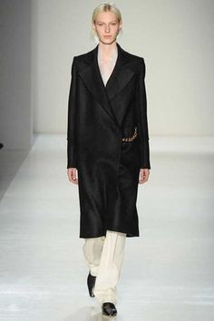Victoria Beckham Fall 2014 Ready-to-Wear Collection Slideshow on Style.com
