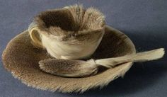 Meret Oppenheim - breakfast in fur
