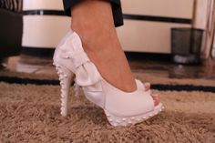 Metáphora Calçados linda com perolas!!!