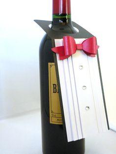 Smoking Weinflasche Tag mit roter Fliege