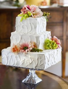 "Love the texture of the ""cloud"" icing style on this wedding cake! Cake # 065."