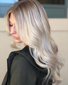 Lace Front Cap Wavy Women Synthetic Hair Fashion Long Light Gray Wigs - All For Hair Color Trending Blonde Braiding Hair, Blonde Hair Looks, Cream Blonde Hair, Balayage Blond, Platinum Blonde Hair, Ash Blonde, Brassy Blonde, Platinum Bob, Pastel Blonde