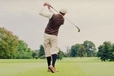 One of our favorite parts of playing hickory is watching peoples heads turn when they hear the crack of the club meeting the ball on a drive. There is nothing like the feedback you get from the natural wood shafts. Golf Club Crafts, Hickory Golf, Top Tours, Vintage Golf, Club Face, New Drivers, Guinness World, World Records, Golf Ball