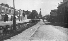 Met zicht op de Kleiweg met de Kleiwegkerk