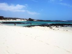 Playa de los Lagos, El Cotillo, noroeste de Fuerteventura La arena más fina y clara de la isla.  Foto de Home Canarias