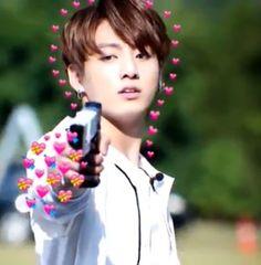 grafika bts, jungkook, and kpop Bts Meme Faces, Funny Faces, Foto Bts, Bts Photo, K Pop, Bts Emoji, Playboy, Heart Meme, Kpop Memes