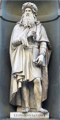 Leonardo da Vinci (statue outside the Uffizi gallery), Florence, Italy. Renaissance Men, Italian Renaissance, The Farm, Roman Sculpture, Famous Art, Mccalls Patterns, Art And Architecture, Art History, Florence Italy