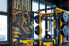 Gestaltung Innenraum, Fitnesscenter, Monster Gym. Corporate Design, Monster, Decorative Walls, Gym Room, Baking Stone, Wall Trim, Room Interior Design, Room Interior, Pictures