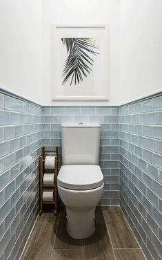 We& assembled a list of functional yet stylish bathroom tiles ideas to help inspire you. The post 7 Unique Bathroom Tiles Ideas (Show Your Personality!) appeared first on Dekoration. Small Toilet Room, Bathroom Toilets, Small Bathroom, Stylish Bathroom, Bathroom Tile Designs, Bathroom Inspiration, Tile Bathroom, Bathroom Interior Design, Toilet Design