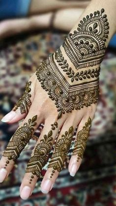 Mehndi Designs Front Hand, Pretty Henna Designs, Latest Henna Designs, Beginner Henna Designs, Back Hand Mehndi Designs, Mehndi Designs Book, Modern Mehndi Designs, Mehndi Design Photos, Mehndi Designs For Fingers