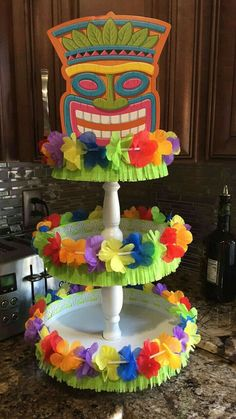 Super Cool Pool Party Ideas for Kids Luau themenorientierter Kuchenstand Aloha Party, Luau Theme Party, Hawaiian Luau Party, Hawaiian Birthday, Tiki Party, Hawaiin Theme Party, Moana Party, Moana Birthday Party, Luau Birthday Parties