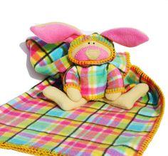 Printemps Plaid couverture de lapin, doudou, de plaid de Pâques, de lapin farci, de cadeau de douche de bébé rose et jaune waldorf lavable doux