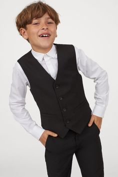 Vest in twill with buttons at front and welt front pockets. Lined. Black Suit Vest, Boys Wedding Suits, Blessing Dress, Black Kids, Fashion Company, World Of Fashion, Baby Dress, Personal Style, Outfits