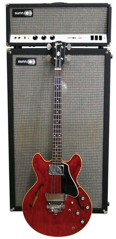 1967 Gibson EB-2 with 1967 Sunn 200s (Premier Guitar Vintage Vault)
