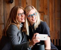 Check out all the latest printed glasses. Eyewear Trends, Sunglasses Women, Fashion, Moda, Fashion Styles, Fashion Illustrations