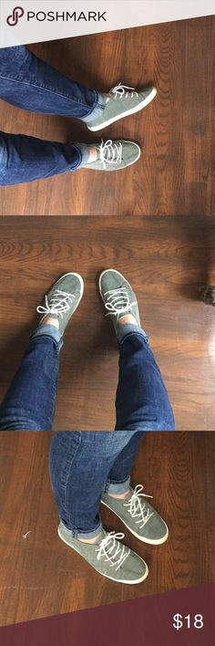 ROXY olive green sneakers Perfect fall tenni shoes. Light on the feet, great color and cushion sole. I bought these brand new in the spring and have only worn a few times. They also come with green matching laces. I have some like these and simply haven't worn these ones enough which is why I decided to sell. Also listed as toms only for more exposure, not actually toms brand Toms Shoes Sneakers