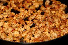 Chicken carbonara Chicken Carbonara, Cauliflower, Shrimp, Tacos, Chips, Meat, Vegetables, Food, Potato Chip