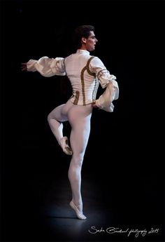 Vladimir Shklyarov in 'The Sleeping Beauty', Mariinsky Ballet. Photos (c) Sasha Gouliaev Photography.
