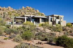 This award-winning stunner located in Estancia found its soul in a modernist derivation of pueblo architecture. Contemporary Neutral Dining Room, Phoenix Homes, Desert Homes, Bouldering, House Tours, Luxury Homes, Exterior, Mansions, House Styles