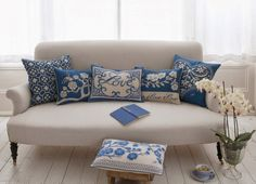 designs that inspire to create your perfect home: Holiday Decor: Cushions with a touch of romance!!