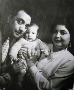 Django, his wife Naguine and son Babik in 1945.