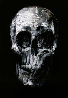 Pessoas formando imagens de caveiras nas pinturas de Tom French