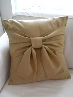 Shopgirl: My Bow Pillow
