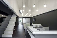 Dental Clinic in Oporto / Paulo Merlini