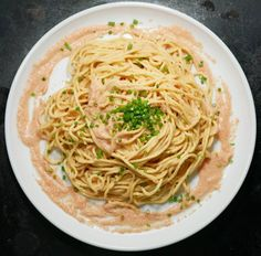 Creamy Mentaiko Pasta with Fresh Spaghetti - All Day I Eat - like a shark Easy Japanese Recipes, Asian Recipes, Gourmet Recipes, Dinner Recipes, Cooking Recipes, Japanese Food, Ethnic Recipes, Creamy Pasta, Spaghetti Recipes