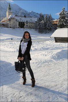 Fashionblog - Winter-Mode-Look im Schnee - vor Schloss Elmau