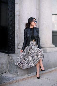 stylish winter outfits for petite women pleated skirtYou can find Woman outfits and more on our website.stylish winter outfits for petite women pleated skirt Stylish Winter Outfits, Classy Outfits, Fall Outfits, Modest Winter Outfits, Beautiful Outfits, Casual Outfits, Modest Fashion, Skirt Fashion, Fashion Outfits