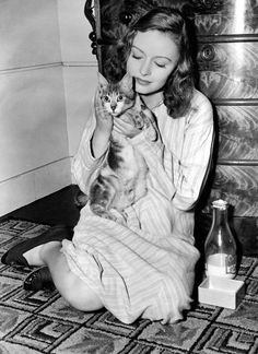 Donna Reed with cat