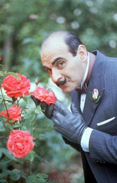 Hurcule Poirot (David Suchet) Ze Little Grey Cells