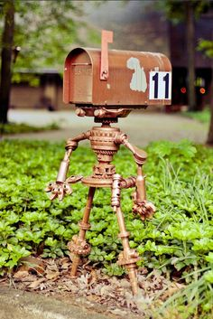 Coolest.  Mailbox.  Ever.