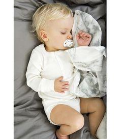Köp Bamboo Muslin Blanket - Marble Grey -  hos Elodie Details Officiella…
