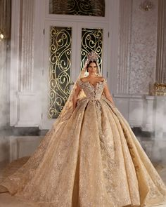 "Frida Xhoi Xhei on Instagram: """"Frida Xhoi & Xhei ""Fashion Show ! 2020 #dress #by @frida_xhoi_xhei #fridaxhoiandxhei2020 #makeuphair #SALLONFRIDA💋 #crown @frida_xhoi_xhei…"" Wedding Gown Rental, Bella Wedding Dress, Fancy Wedding Dresses, Beautiful Bridal Dresses, Princess Wedding Dresses, Wedding Gowns, Event Dresses, Ball Dresses, Ball Gowns"
