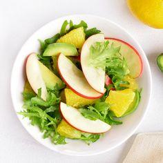 Riche en fibres et très peu calorique, la pomme permet notamment de lutter contre le mauvais cholestérol. 🍏👏  Découvrez nos 10 délicieuses recettes salées aux pommes ! 🍎🍏  #pommes #pomme #apple #recetteauxpommes #saladeauxpommes #salade #recettedesaison #recettesaine #recetteminceur #recettehealthy #cholestérol #fibres #pectine #peucalorique #maigrir #sain #nutrition #santé #wecook Fibres, Avocado Toast, Cantaloupe, Nutrition, Fruit, Breakfast, Food, Seasonal Recipe, Yummy Recipes