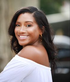 Beauty entrepreneur Kristen Elise Brown shares her business philosophies - Rolling Out Person Of Color, Small Town Girl, Cosmetic Companies, Gold Labels, Matte Lips, Lip Colors, Bobbi Brown, Photo Credit, Philosophy
