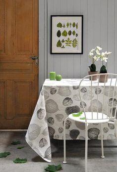 Stof - Nappe enduite en lin TILIA - 100% Lin - Gris fond blanc Toddler Bed, Furniture, Home Decor, Gray, White People, Child Bed, Decoration Home, Room Decor, Home Furniture