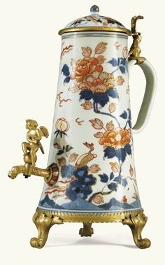 A CHINESE IMARI PORCELAIN COFFEE POT, 18TH CENTURY, WITH GILT-BRONZE MOUNTS, GERMAN OR DUTCH, EARLY 18TH CENTURY | Sotheby's