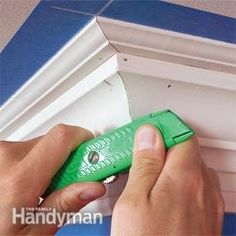 How to Install Crown Molding: Three-Piece Design - Step by Step: The Family Handyman Woodworking Videos, Diy Woodworking, Woodworking Classes, Woodworking School, Woodworking Workshop, Cut Crown Molding, Door Molding, Moulding, Crown Molding Installation