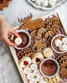 Mmmmmmmm lecker Kekse # X-Mas - Weihnachten - White Chocolate Christmas Feeling, Noel Christmas, Merry Little Christmas, Winter Christmas, Christmas Lights, Holiday Treats, Christmas Treats, Christmas Baking, Christmas Cookies