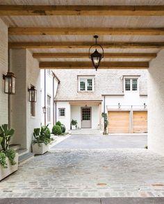 Classic home renovation by architect Peter Block-Porte cochere Design Garage, Exterior Design, Interior And Exterior, Modern Exterior, Exterior Colors, French Exterior, Modern Garage, Exterior Paint, Garage Exterior