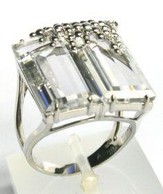 Anel em Ouro Branco, Quartzos Transparentes e Diamantes no 1001 Noites - R$ 3.584,00