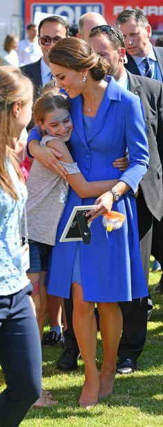 Kate Middleton Photos Photos - The Duke and Duchess of Cambridge Visit Germany - Day 1 - Zimbio