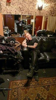 That grin on his face he's such a cutie ~HETFIELD~